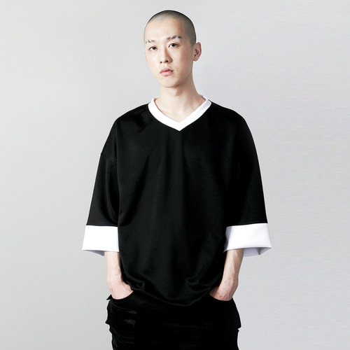 VV-001 V-NECK OVERFIT T-SHIRT BLACK